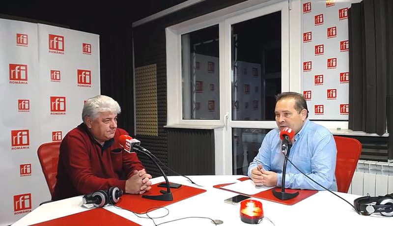 Dragoş Frumosu şi jurnalistul Cătălin Lenţa in studioul RFI Romania la Rural - Industria alimentară